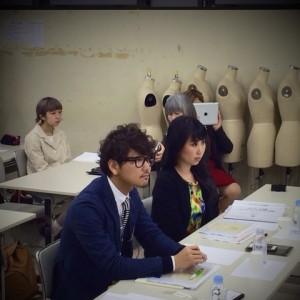 上田安子服飾専門学校教室で