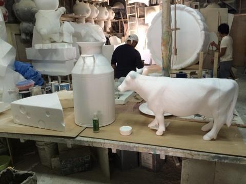 オブジェの型チーズ・牛乳・牛